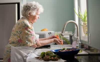 3 Creative Ways to Love Your Aging Loved-One During Coronavirus Season (…Or Anytime)!